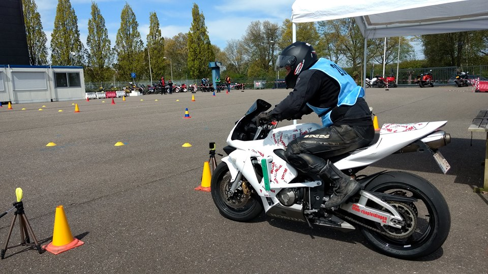 Moto Gymkhana start Competitie